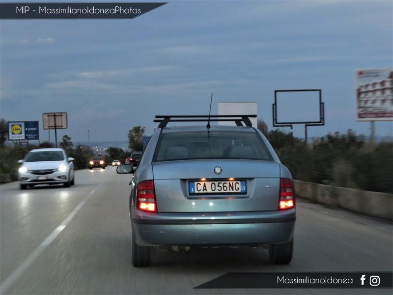 Avvistamenti auto rare non ancora d'epoca - Pagina 19 Skoda-Fabia-Berlina-1-4-75cv-03-CA056-NG-123-114-11-1-2018