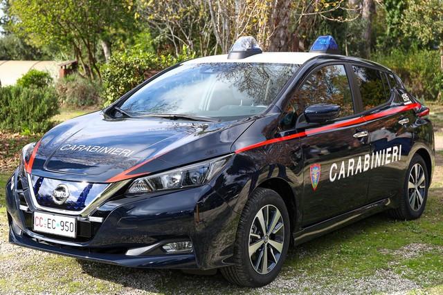 52 Nissan Leaf Pour Les Carabiniers Italiens Nissan-LEAF-all-ARMA-dei-CARABINIERI-8-source