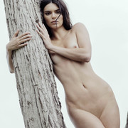 KENDALL-JENNER-NUDE-FULL-FRONTAL-SHOW-007