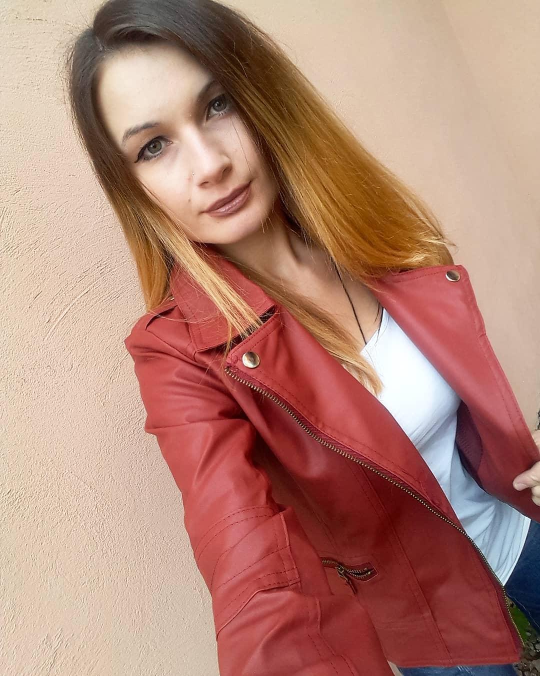 Olga-Madych-Wallpapers-Insta-Fit-Bio-18