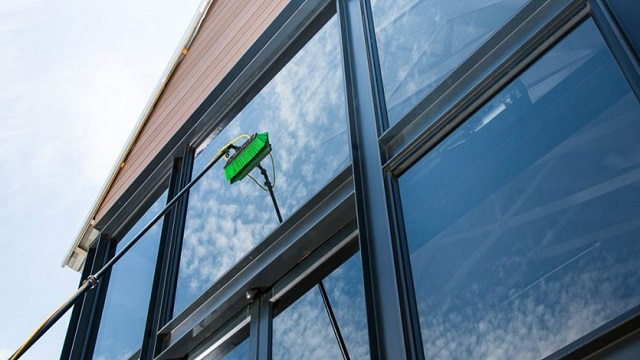 Instructions to Start Your Own Window-Cleaning Business