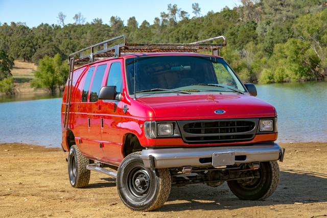 2002-Ford-E350-6