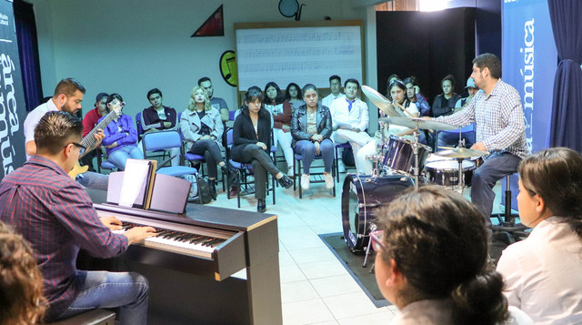 FOTOS-TALLER-JAZZ-UVAQ