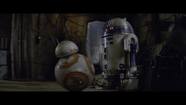 Star-Wars-Episode-VII-The-Force-Awakens-2015-4-K-HDR-2160p-WEBDL-Ita-Eng-x265-NAHOM-mkv-20200211-132