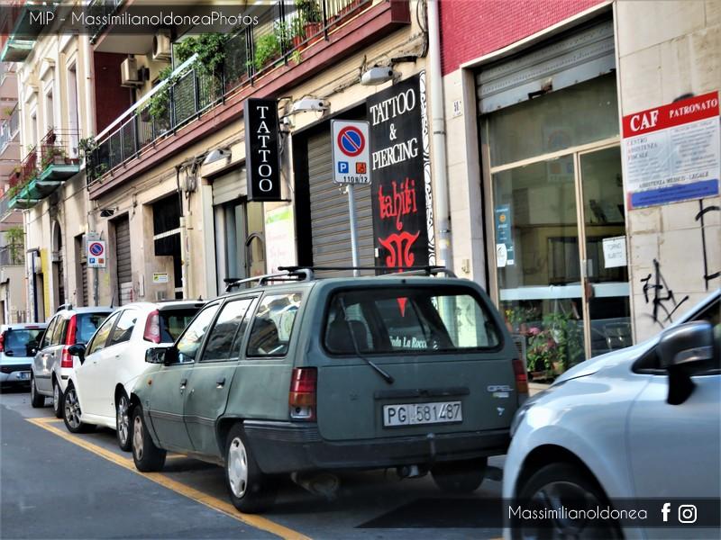 avvistamenti auto storiche - Pagina 4 Opel-Kadett-Caravan-D-1-6-54cv-88-PG581487
