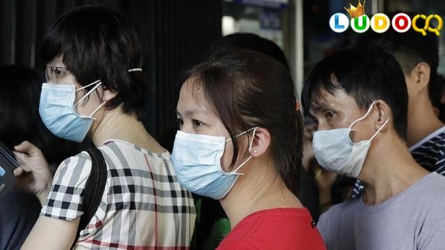 Viral Masker Direbus untuk Dipakai Ulang di China, Berbahayakah?