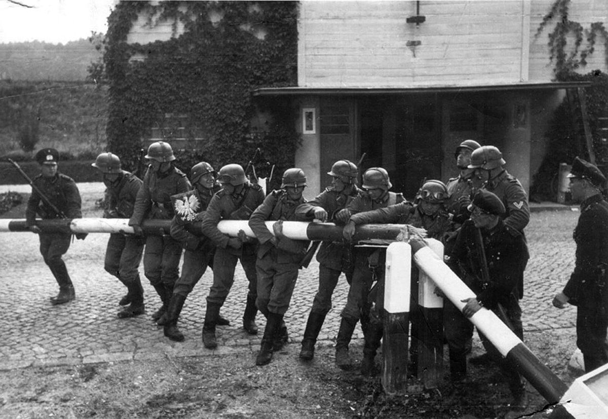 World War II begins. German soldiers in Poland, September 1, 1939