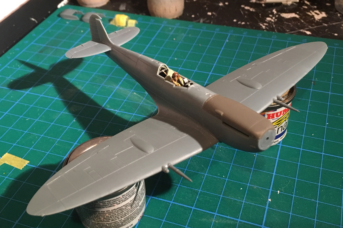 Spitfire Mk IX - Eduard 1:72 - Page 2 IMG-1567