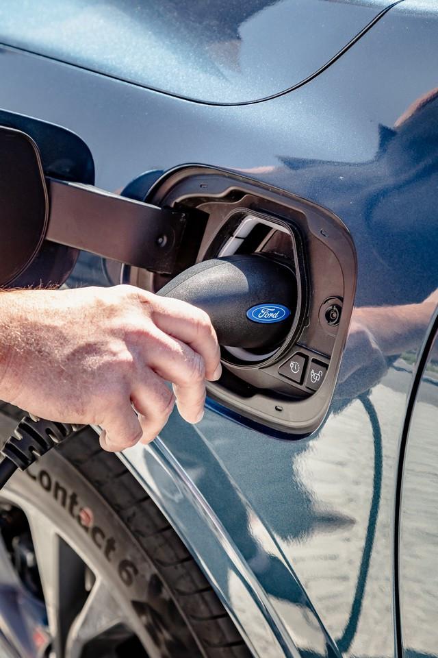 Les véhicules électrifiés Ford plébiscités sur la première partie de l'année 2020 Web-0809