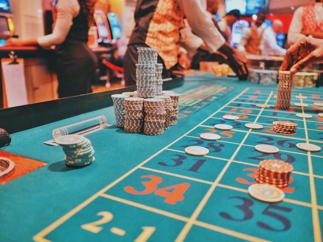 https://i.ibb.co/mCZw0tv/win-jackpot-with-slot-gambling.jpg