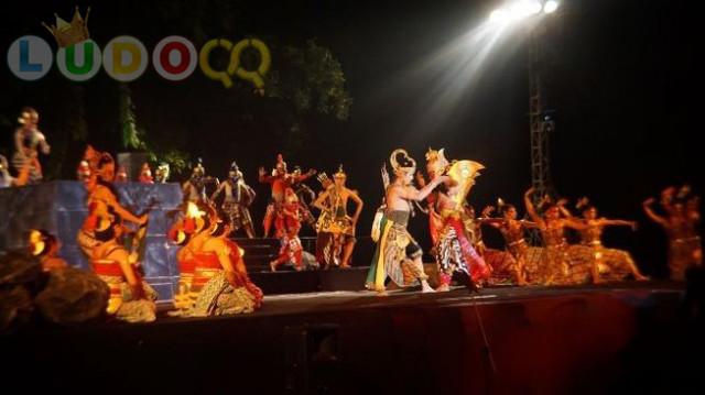 Menguji Kesetiaan Sinta, Opera Ramayana Curi Perhatian Turis