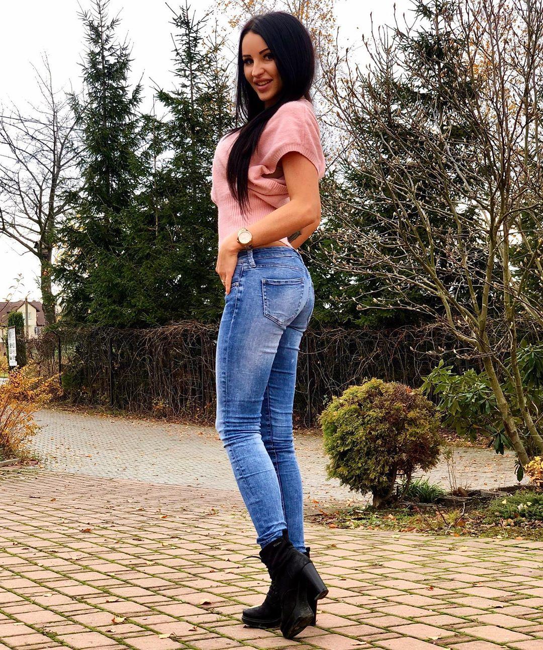 Natalia-Fitnesska-Wallpapers-Insta-Fit-Bio-9