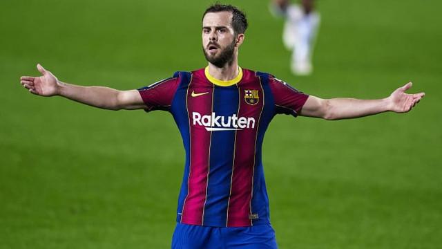 FC-Barcelona-v-Elche-CF-La-Liga-Santander-efe653b997471b2a86688b7b6e51fdc9
