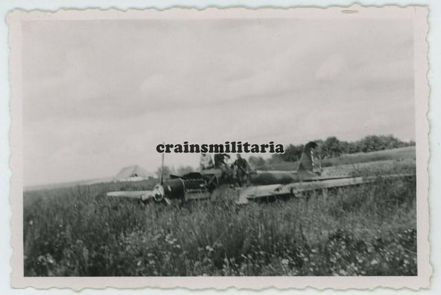 Orig-Foto-Notlandung-russisches-Flugzeug-Bomber-Wrack-in