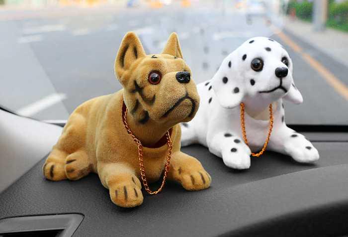 Без собачки на торпеде никак. /Фото: grali.ru