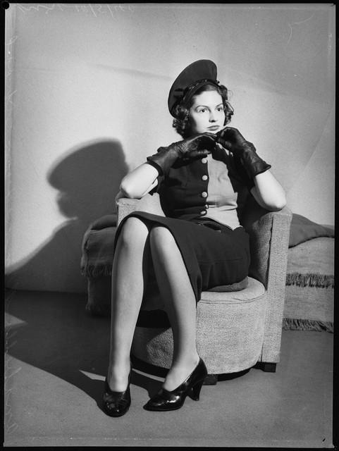 School-of-mannequins-Australia-1940-3