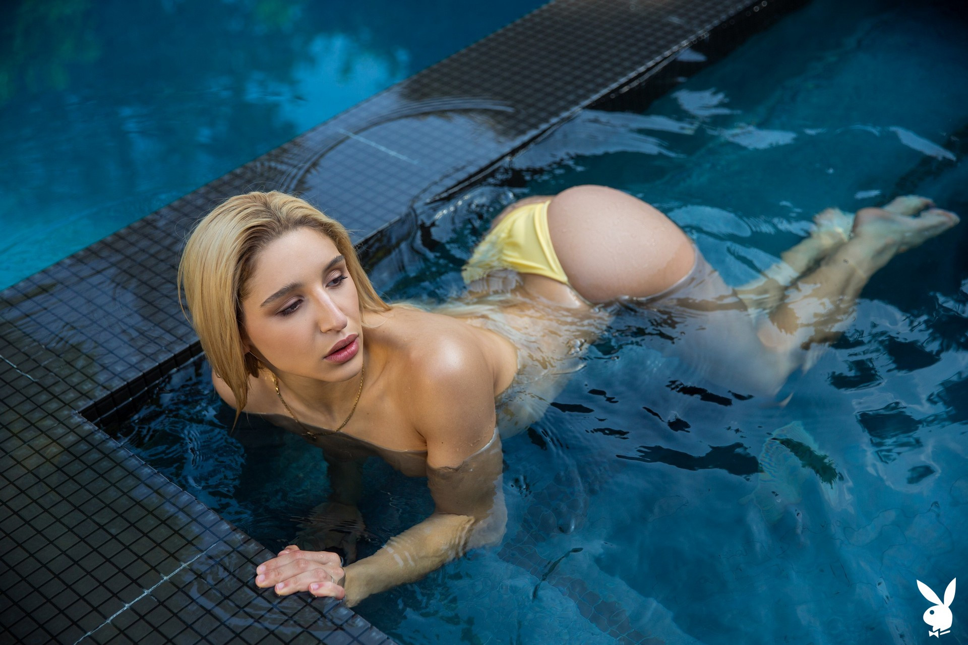 Abella Danger in Ahead of the Curve Abella01-0025