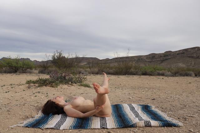 abbyopel-02-05-2021-2098963873-Yoga-time-It73-Yoga-time-Iten-ray-of-sunshine-of-sunshine-0-116309507