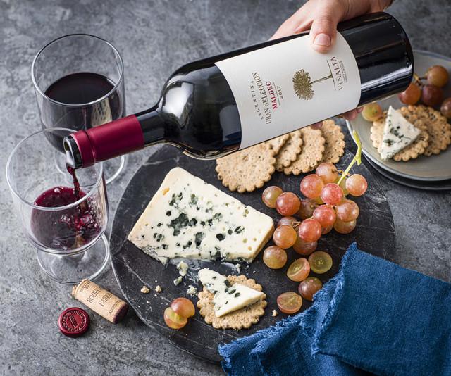 Malbec-wine-and-Roquefort