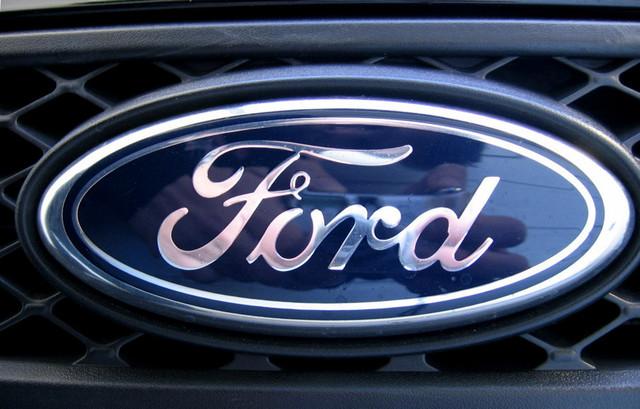 Black-Ford-Fiesta-X100-008