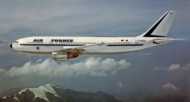 F-BVGAAirbus-A300-B2ancienne-livreen-vol