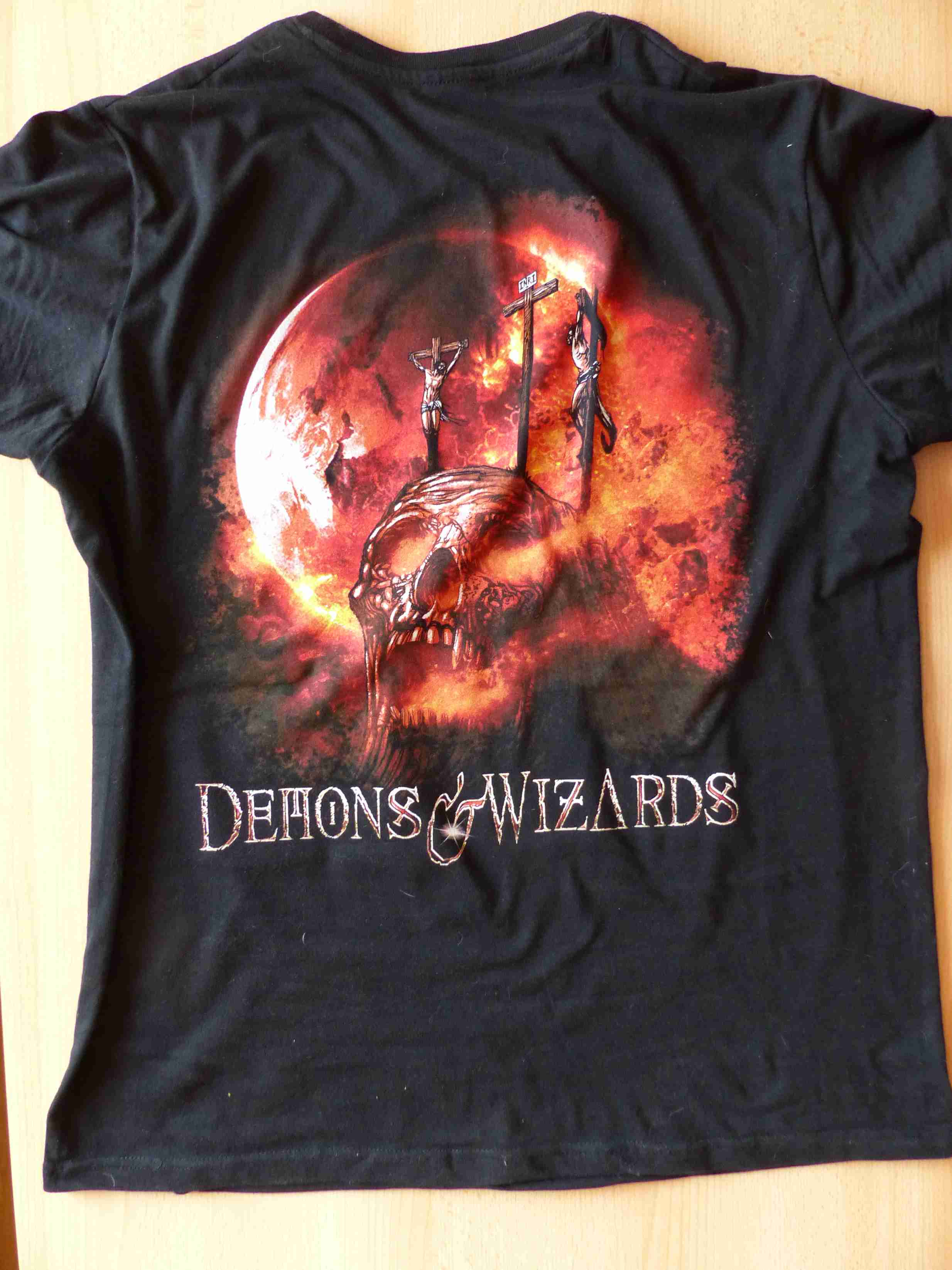 Demon-Wizards-Touched-by-the-Crimson-King-hinten.jpg