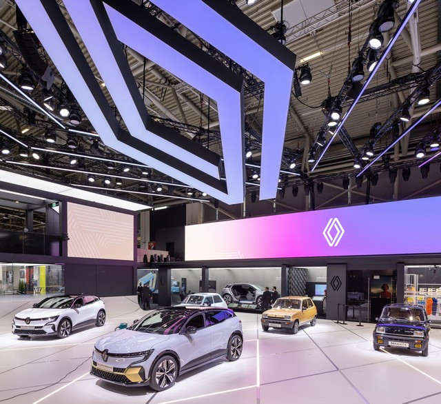 La Renault 5Prototype rencontre ses aïeules au salon de l'automobile de Munich Salon-IAA-de-Munich-2021-Renault-5-Prototype-et-Renault-5-8