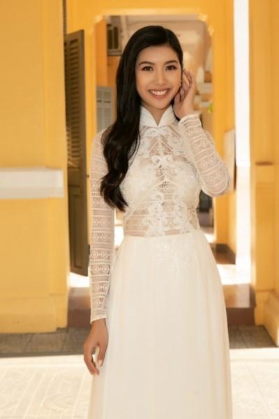 A-hau-Thuy-Van-Hoat-dong-ve-truong-Hoa-hau-Hoan-vu-Viet-Nam-2019-42-1600x1200-1600x1200.jpg