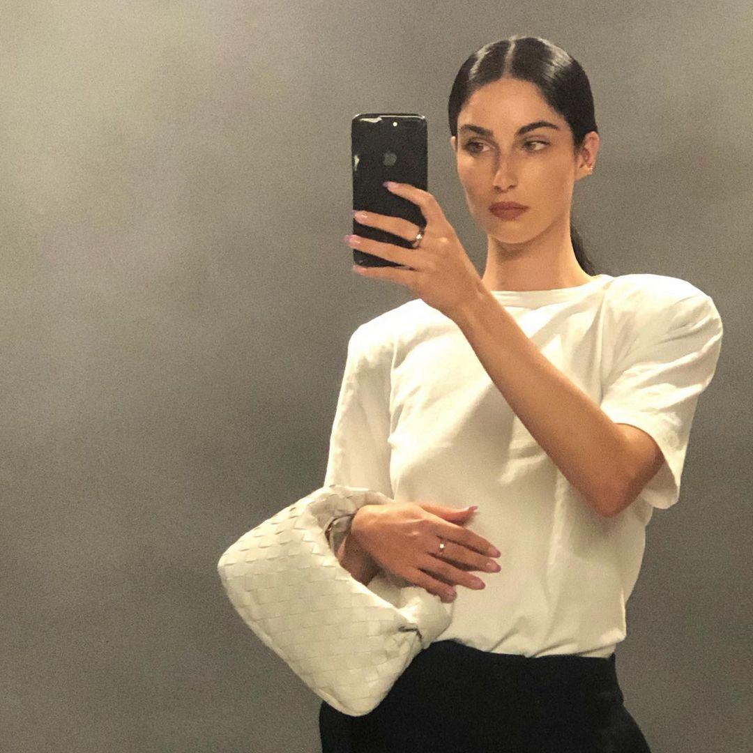 Fiona-Zanetti-Wallpapers-Insta-Fit-Bio-10
