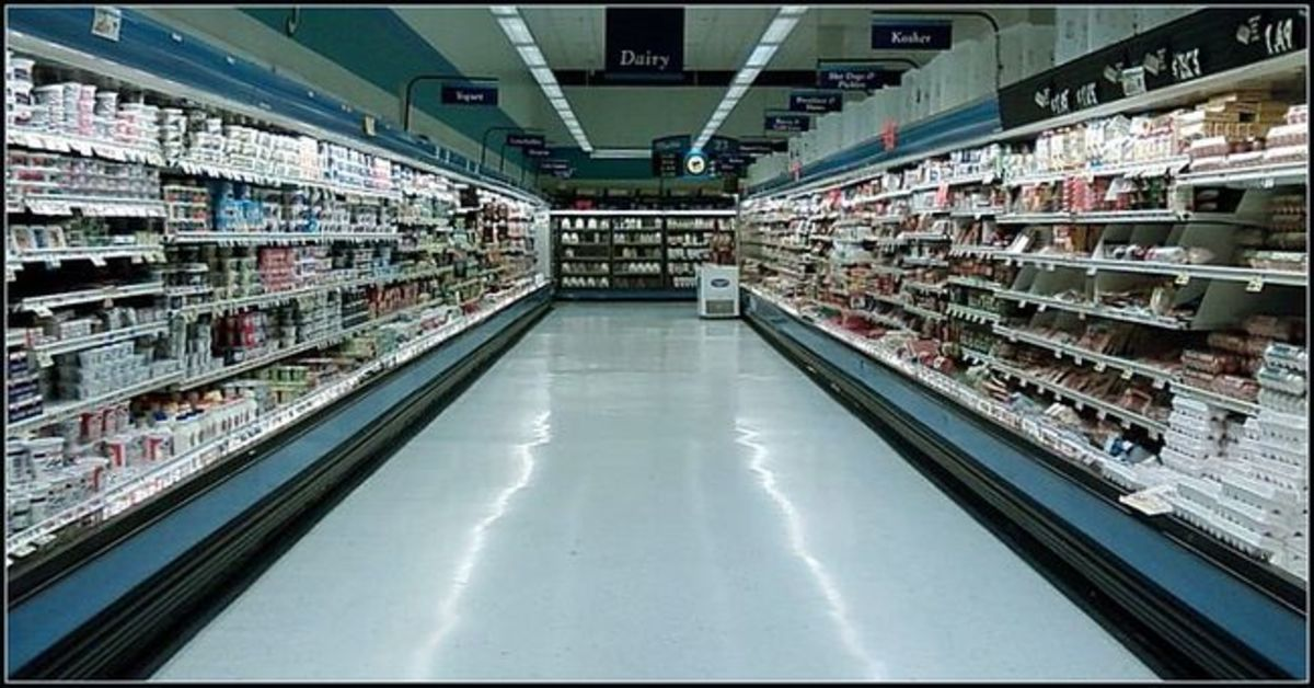 strange-night-at-the-supermarket.jpg