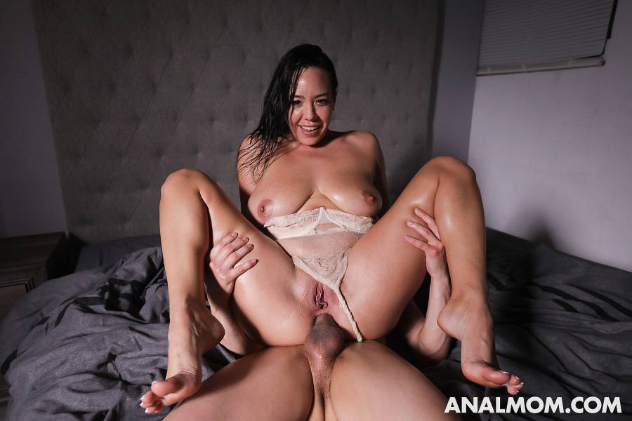 Kitten Latenight, Johnny The Kid – It's Been A While – Anal Mom – MYLF