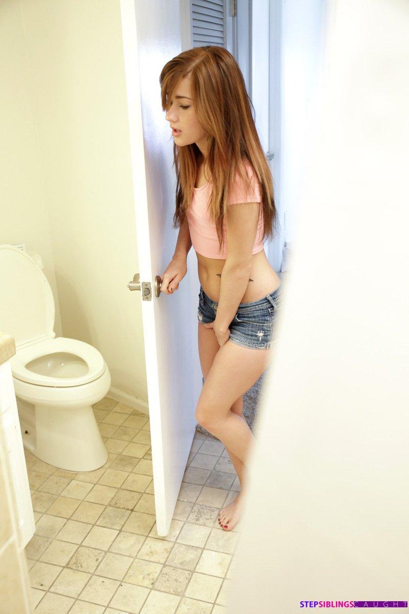 Alaina-Dawson-gets-turned-on-when-she-catches-xxx-photo-xxx-image-10