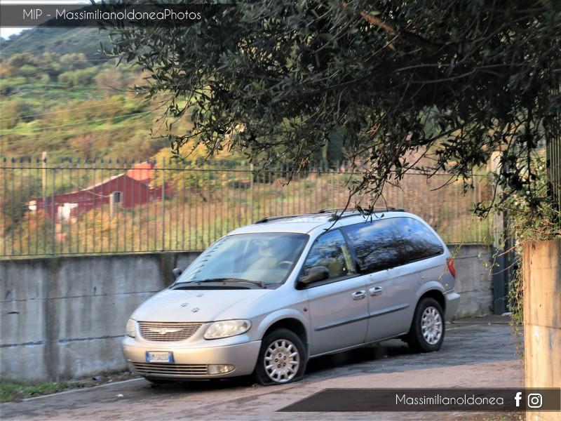 Auto Abbandonate - Pagina 8 Chrysler-Voyager-CRD-2-5-141cv-11-MAGGIO-01-BM502-DD-172-000-27-6-2016