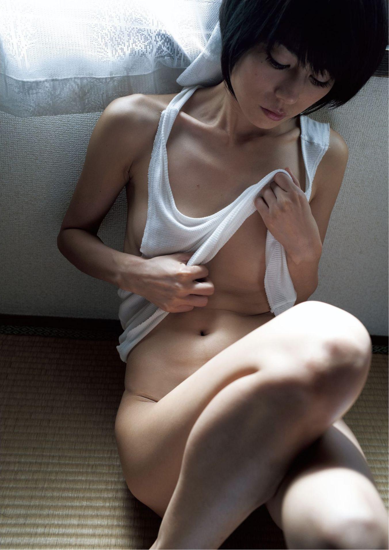 芳野友美ファースト写真集『或る女』064