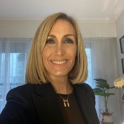 """Florencia Arietto: """" En Pigüé la diputada kirchnerista Marisol Merquel, (capanga del territorio) ,montó la vacunación vip en una escuela donde van chicos humildes""""."""