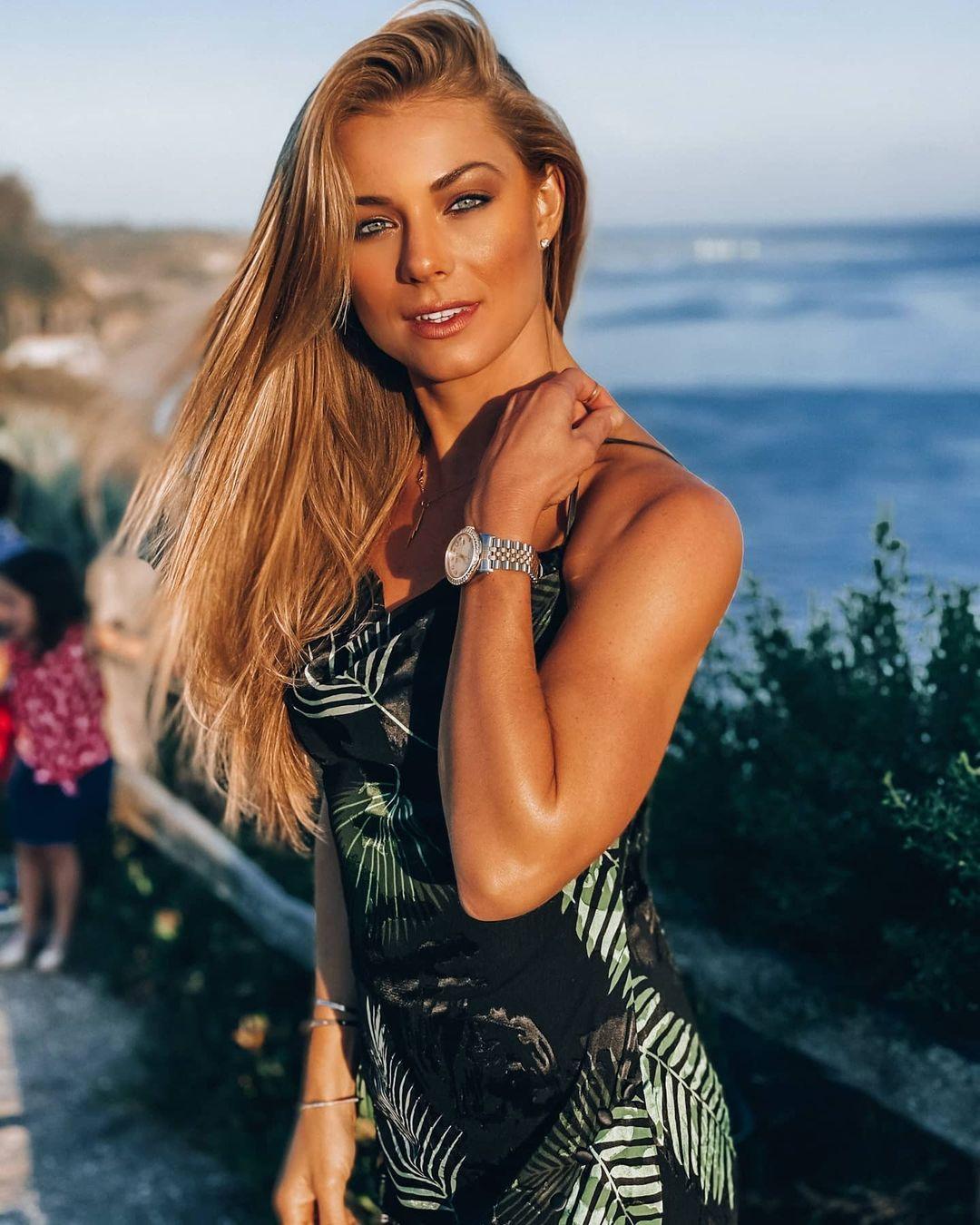 Nikki-Leigh-4