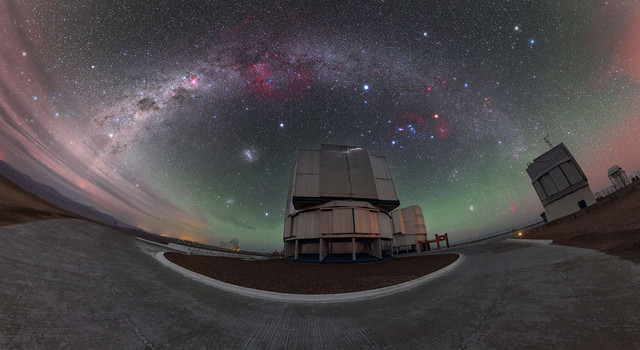 This-breathtaking-view-of-ESOs-Paranal-Observatory-reveals-a-spectacular-night-scene-over-part-of-ES