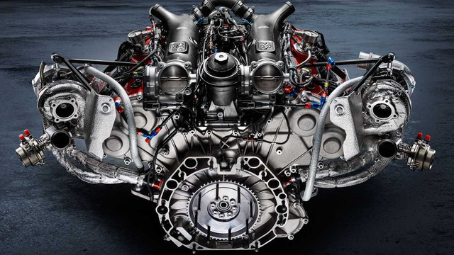 ferrari-488-gt-modificata-engine
