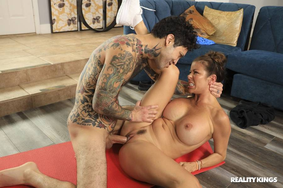 Alexis Fawx, Small Hands – Work Out Or Put Out – RK Prime – Reality Kings