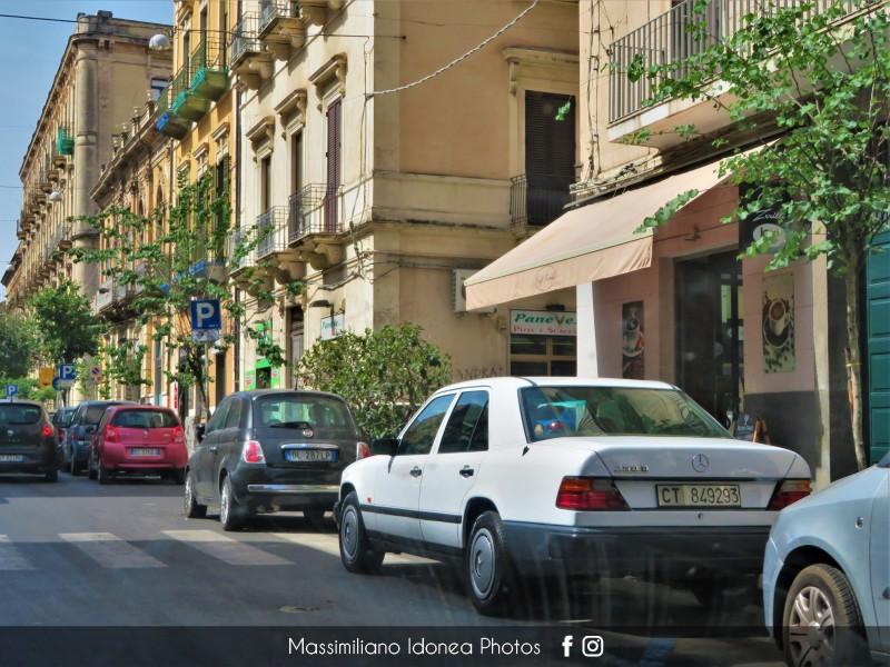 avvistamenti auto storiche - Pagina 27 Mercedes-W124-250-D-2-5-90cv-89-CT849293-449-200-16-9-2017