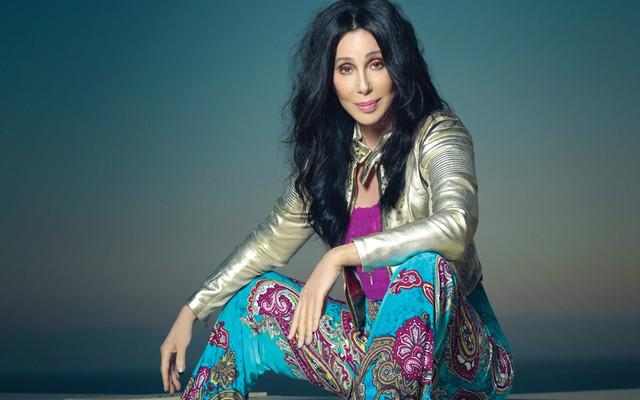 Cher-Sitting-Feature-Opener-FTR