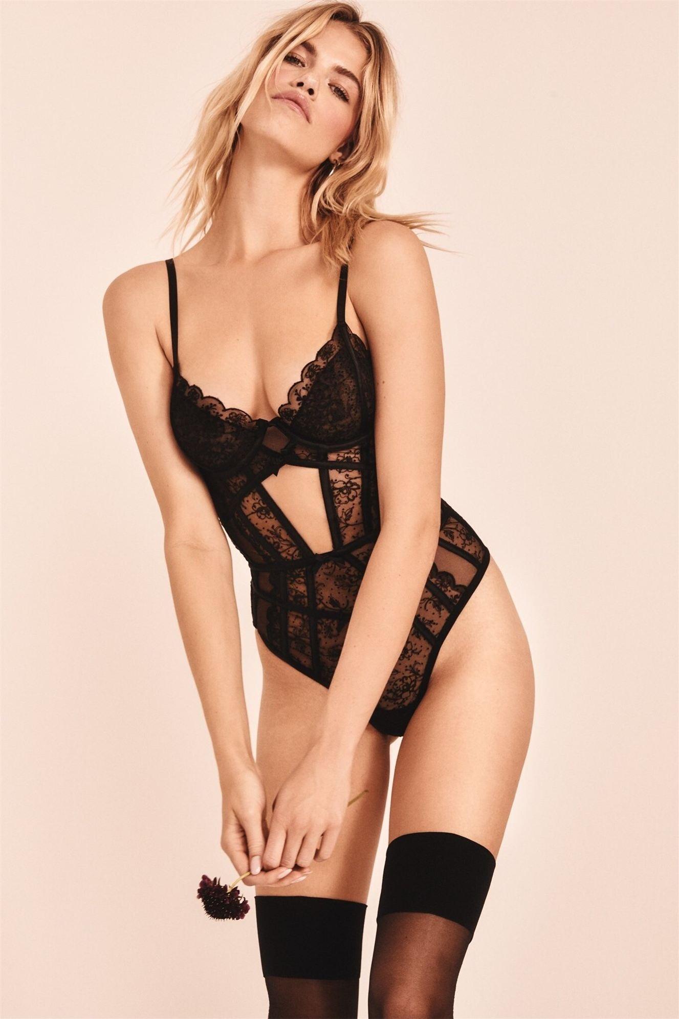 Хейли Клоусон в новой модной коллекции нижнего белья / фото 33