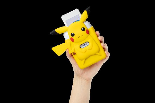 Mini-Link-SE-Nintendo-Pikachu-Case-2