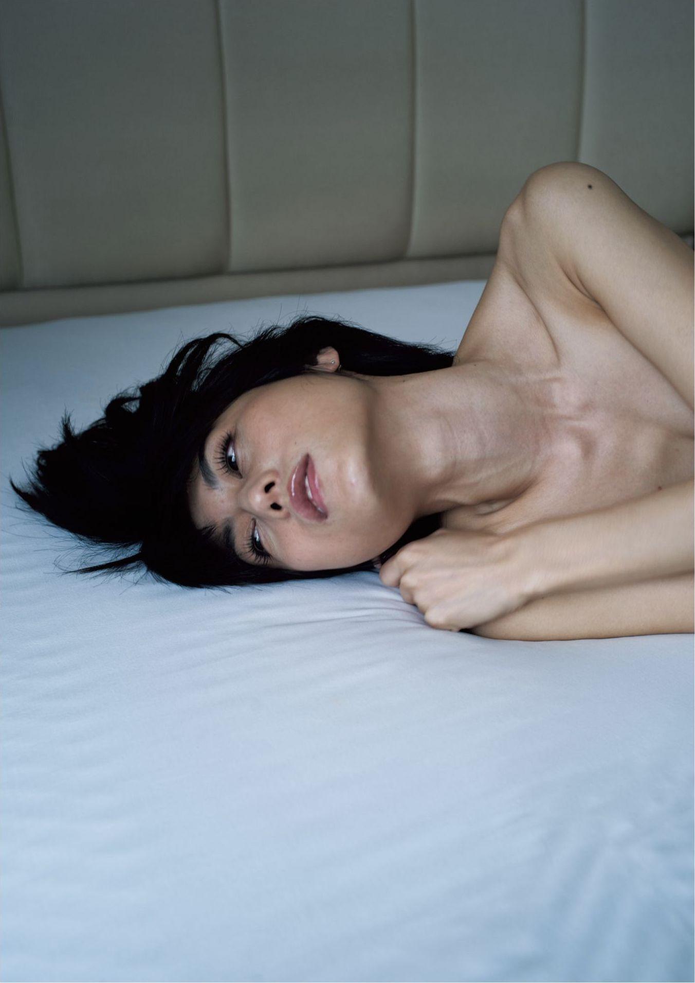芳野友美ファースト写真集『或る女』094