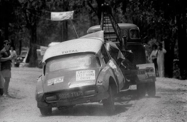 London-Sydney-Marathon-Rally-1968-Bianchi-Ogier-crash