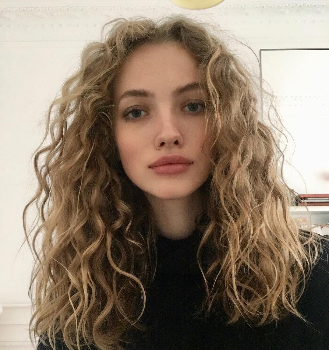 Tanya-Kizko-Wallpapers-Insta-Fit-Bio-3