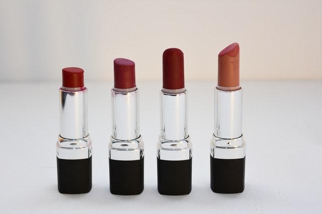 https://i.ibb.co/n7q0vj3/lipsktic-private-label.jpg