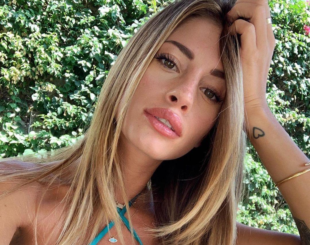 Chiara-Nasti-Wallpapers-Insta-Fit-Bio-10