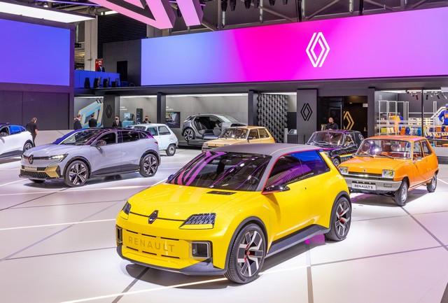 La Renault 5Prototype rencontre ses aïeules au salon de l'automobile de Munich Salon-IAA-de-Munich-2021-Renault-5-Prototype-et-Renault-5