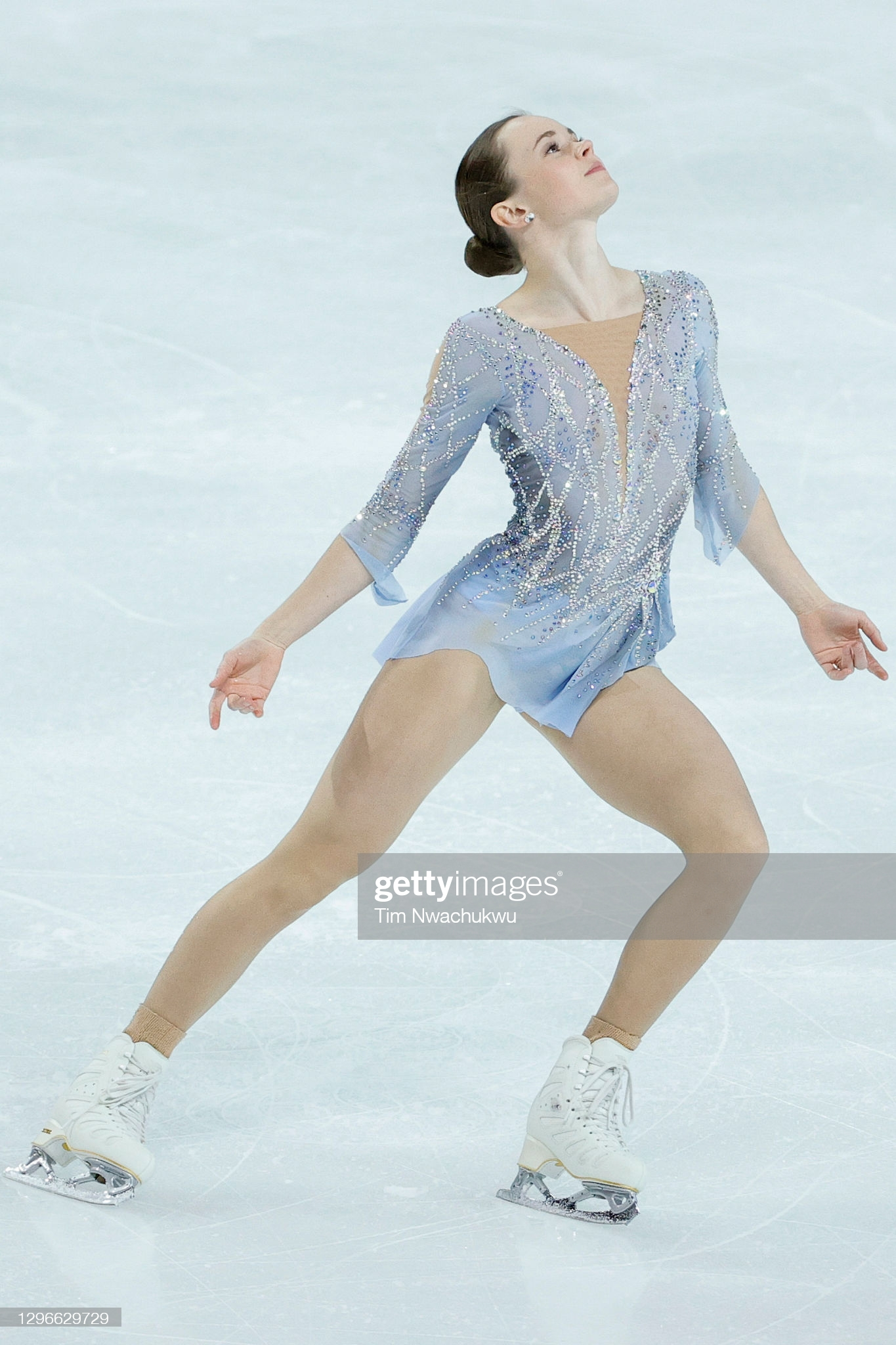 https://i.ibb.co/nBmpKHJ/LAS-VEGAS-NEVADA-JANUARY-15-Mariah-Bell-competes-in-the-ladies-free-skate-during-the-U-S-Figure-Skat.jpg